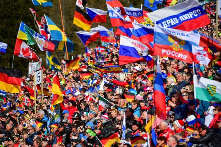 Biathlon-Fans in Antholz