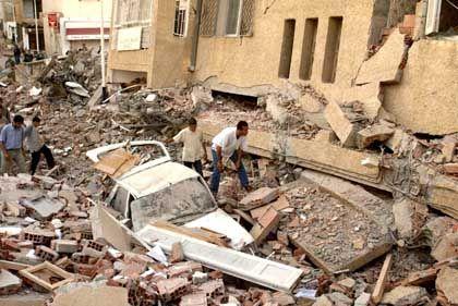 Erdbeben in Algerien: Wie Kartenhäuser zusammengestürzt