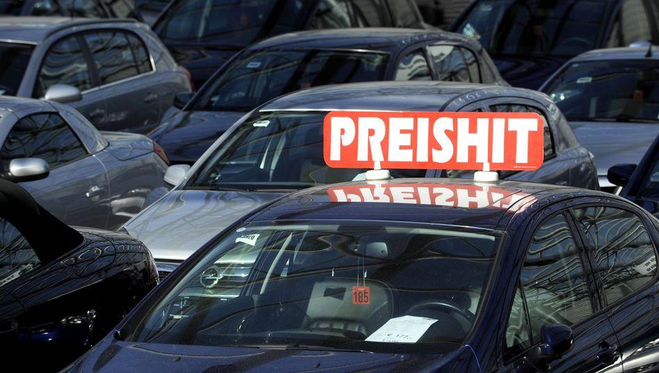 Verkaufsangebot bei einem Autohändler