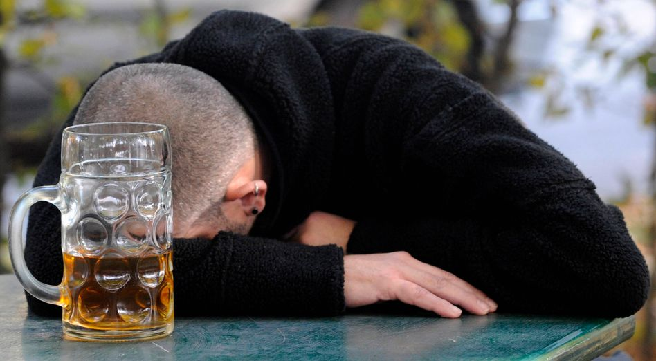 Alkoholkonsum: Exzessives Trinken schädigt fast das gesamte Organsystem