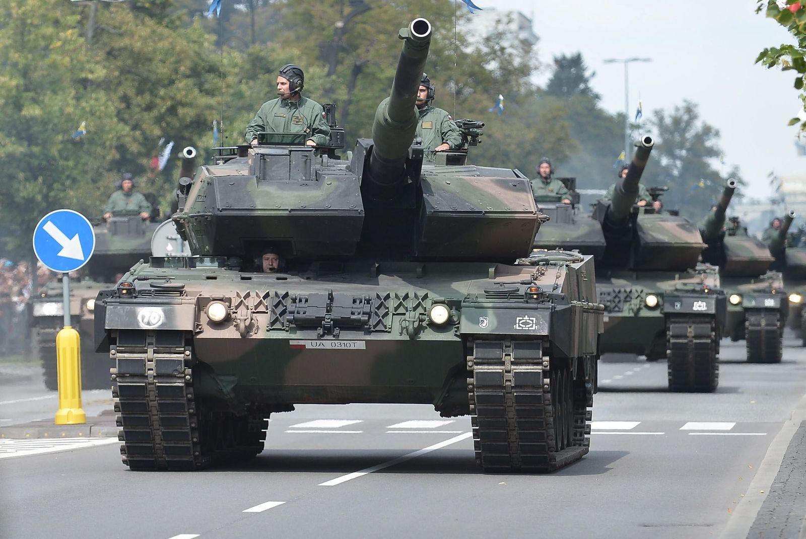 Weltweite Militärausgaben leicht gesunken