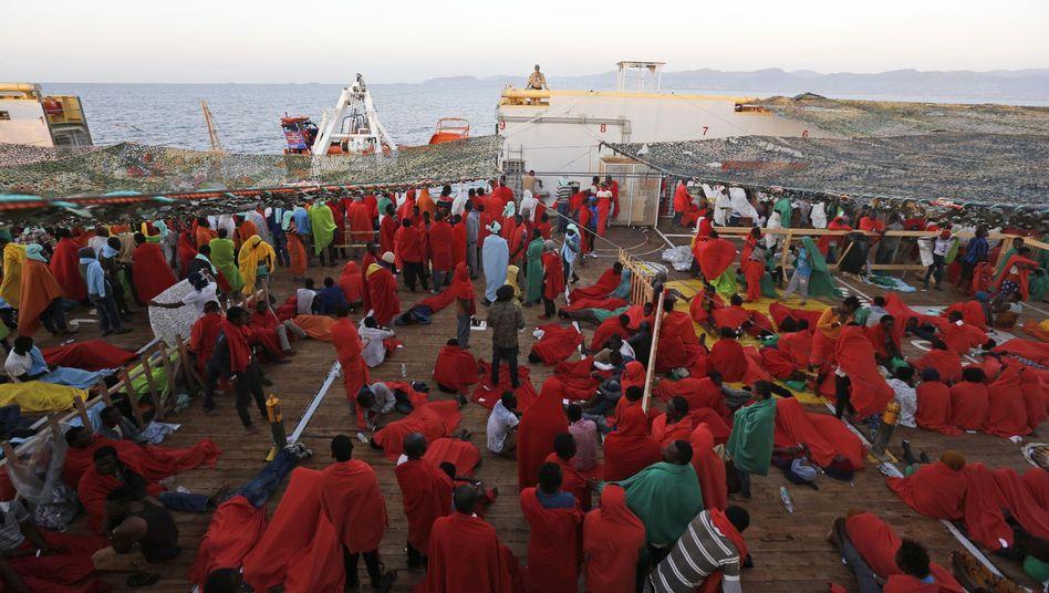 Gerettete Flüchtlinge auf einem Schiff im Mittelmeer: Widerstand in Osteuropa