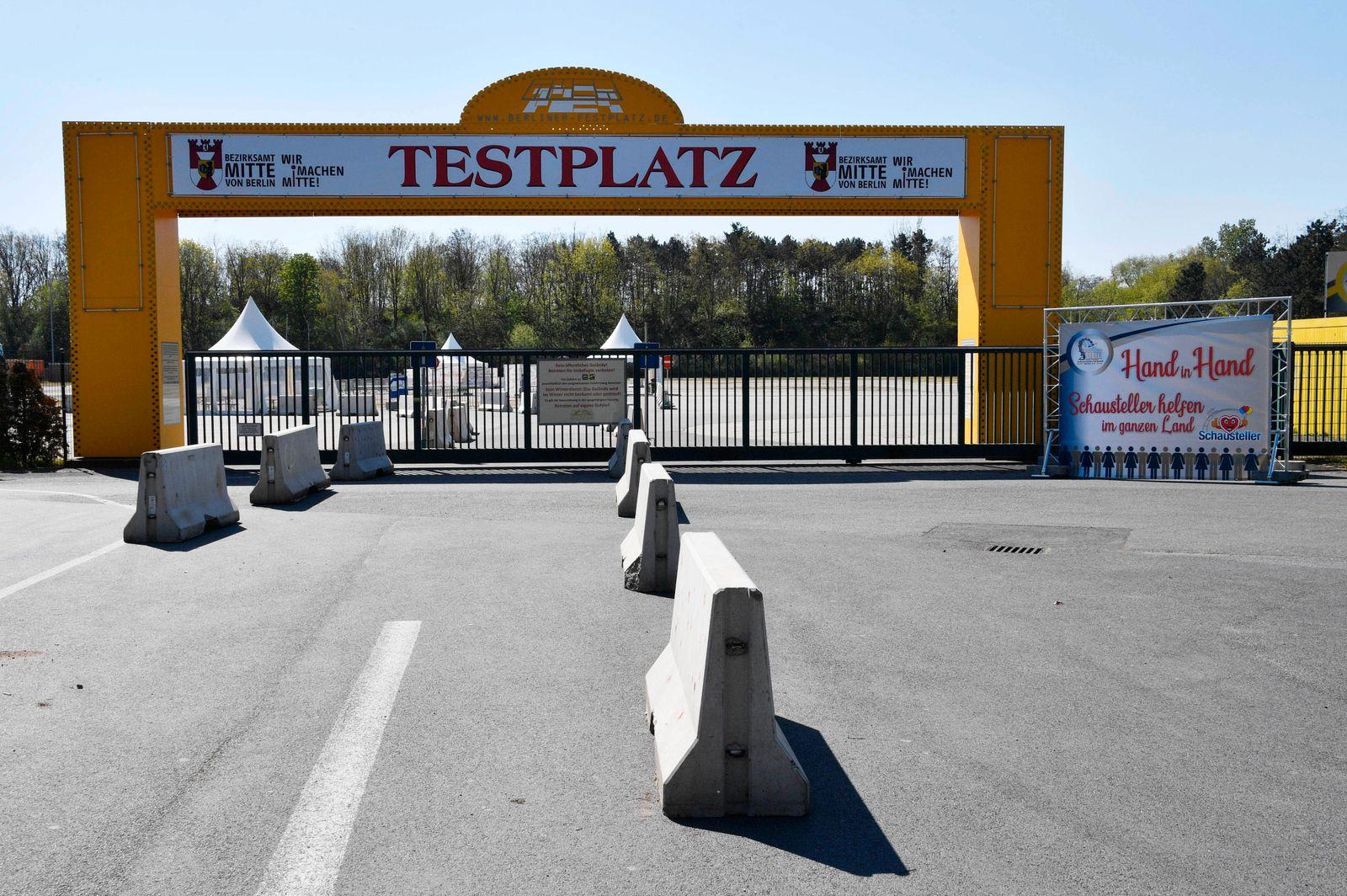 Der Zentrale Festplatz am Kurt-Schumacher-Damm 207 wird zur ersten Corona-Teststation in Berlin. Berlin, 23.04.2020 ***