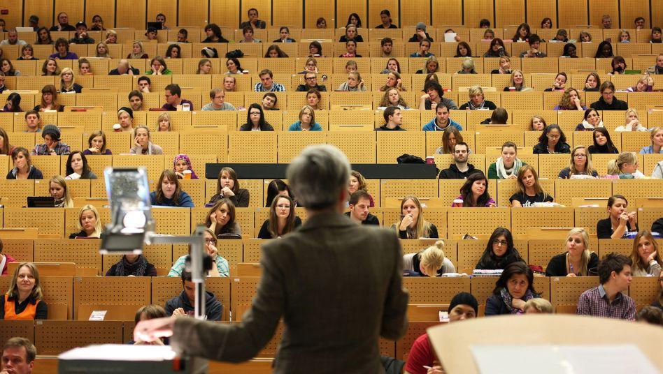 Hörsaal in Bochum: Auch in begehrten Fächern bleiben immer wieder Studienplätze frei