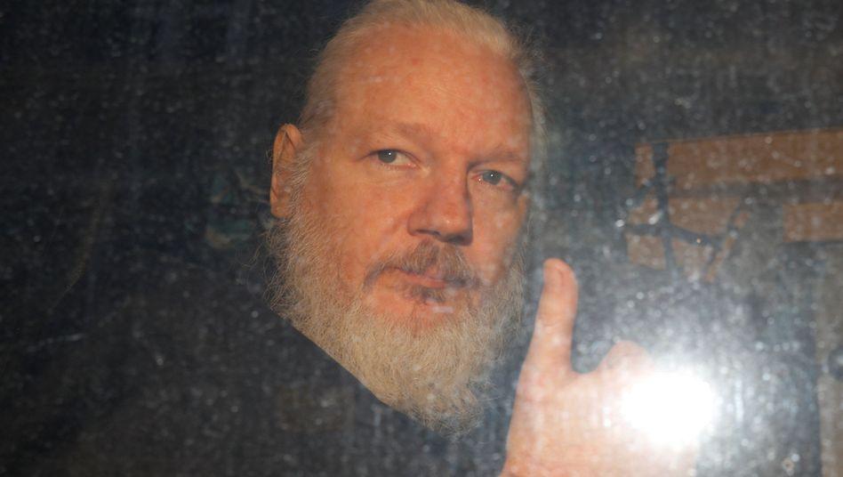 Julian Assange bei seiner Festnahme: Schon 2018 begann für WikiLeaks eine neue Phase
