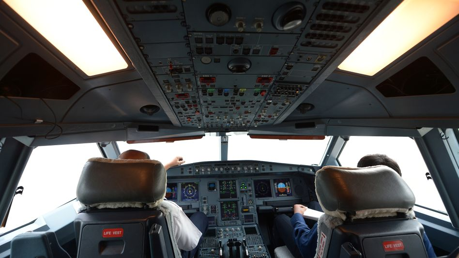 Cockpit eines Airbus 330 (Symbolbild): Umkehr über dem Atlantik