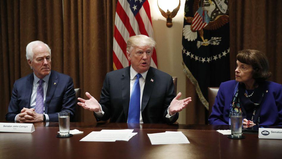 Donald Trump im Kabinettsraum des Weißen Hauses