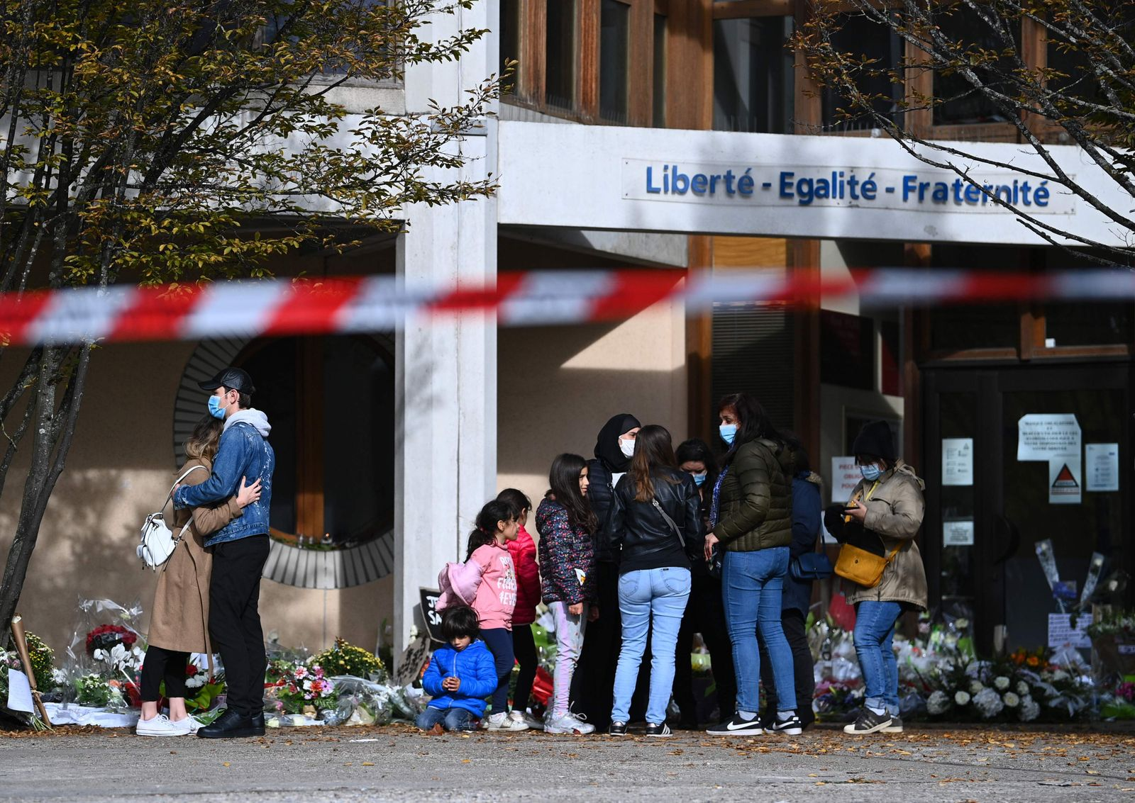 FRANCE-ATTACK-EDUCATION-TRIBUTE