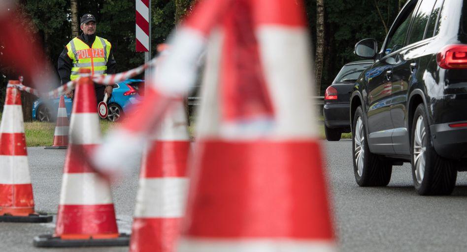 Bundespolizist an der niederländischen Grenze