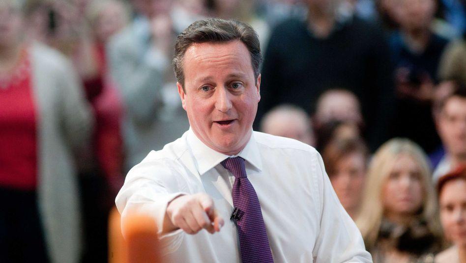 """Wahlkämpfer Cameron in Eastleigh: """"Wir sind nicht hart genug zu Leuten, die von der anderen Seite der Welt kommen"""""""