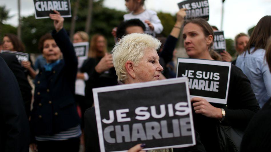 """Demonstranten mit """"Je suis Charlie""""-Schildern: Markenrecht nicht möglich"""