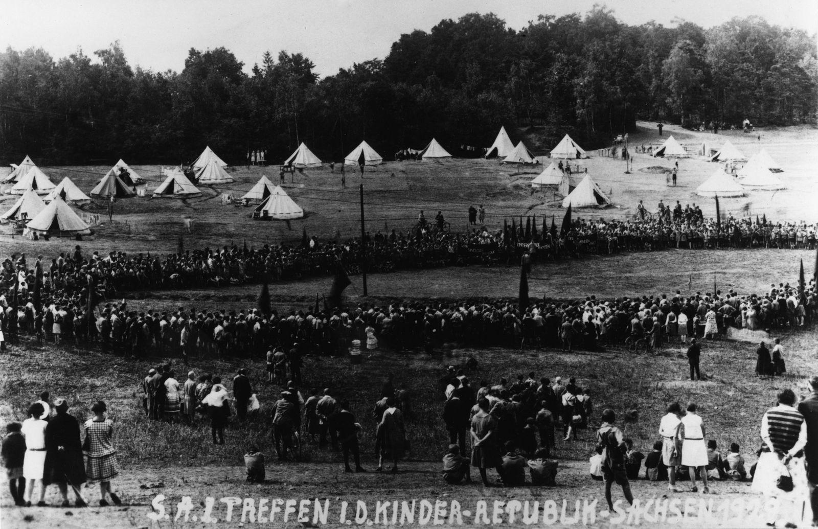 """Die """"Kinderrepublik Sachsen"""" 1929 - ein Zeltlager der """"Kinderfreunde"""" (Reichsarbeitsgemeinschaft der Kinderfreunde Deutschlands)"""