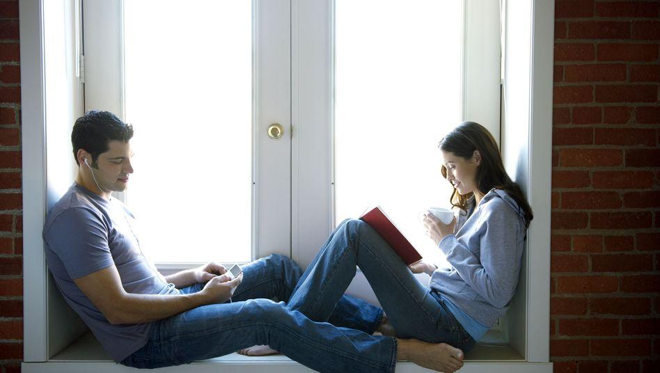Junges Paar: Erstmals haben Frauen die Männer bei IQ-Tests überholt