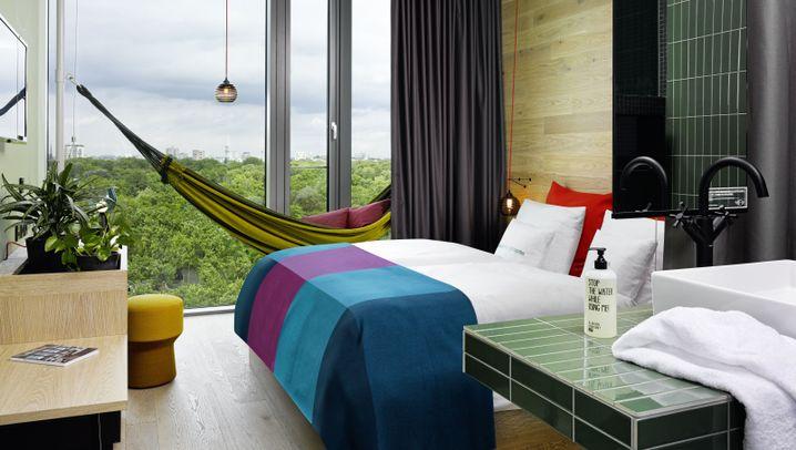 Instagram-Hype: Fotoshooting im Hotelzimmer