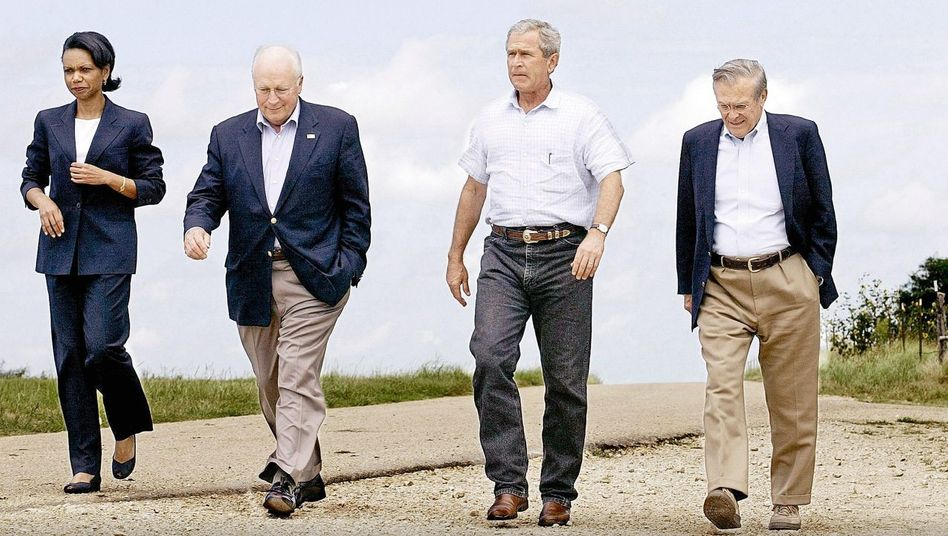 Amerikanische Außenpolitiker Rice, Cheney, Bush, Donald Rumsfeld 2004