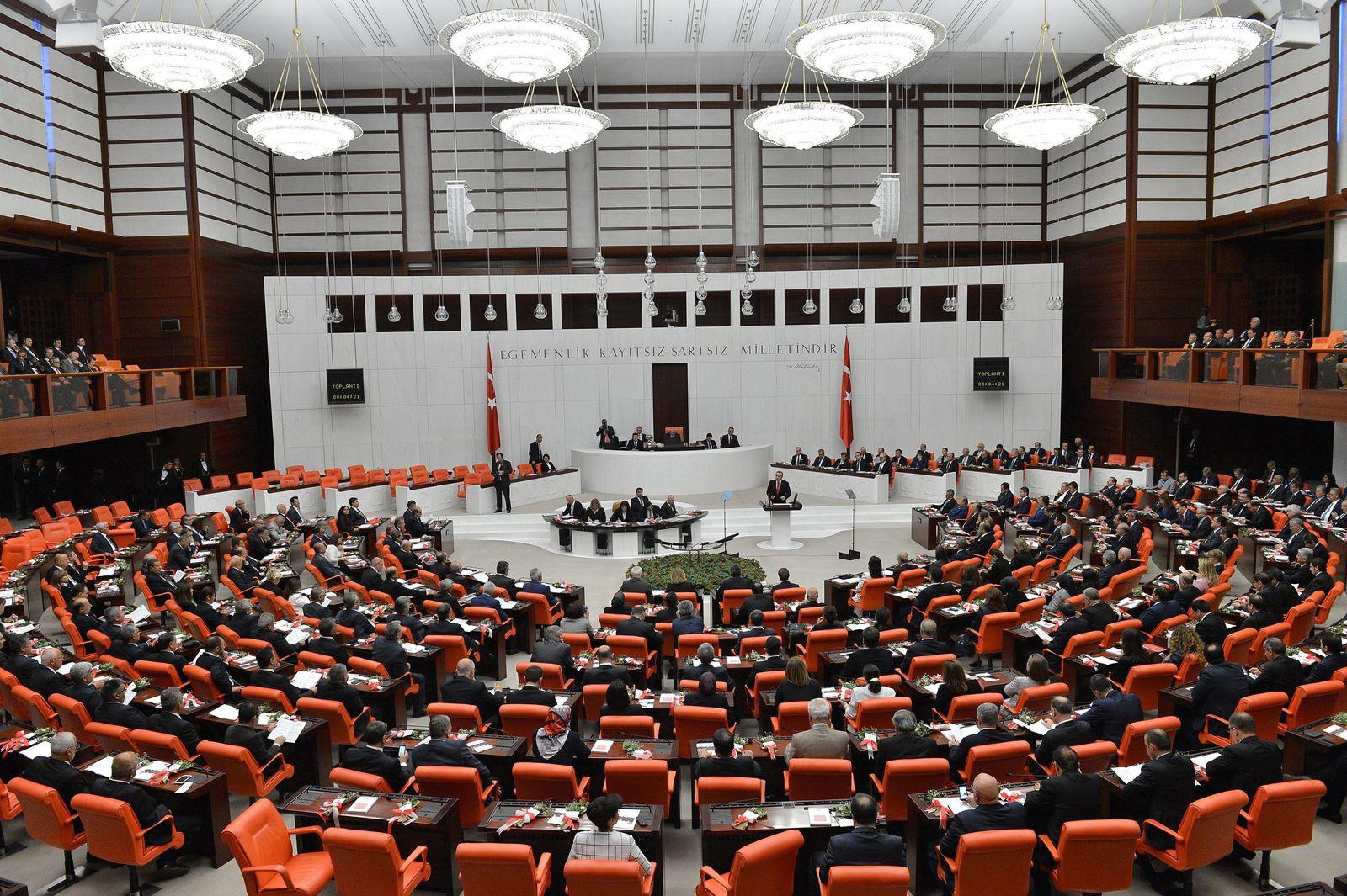 Turkish President Recep Tayyip Erdogan speaks at the parliament