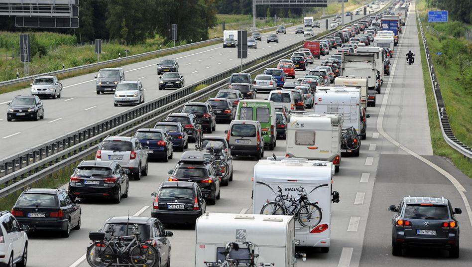 Stau auf der Autobahn A1 zwischen Hamburg und Bremen