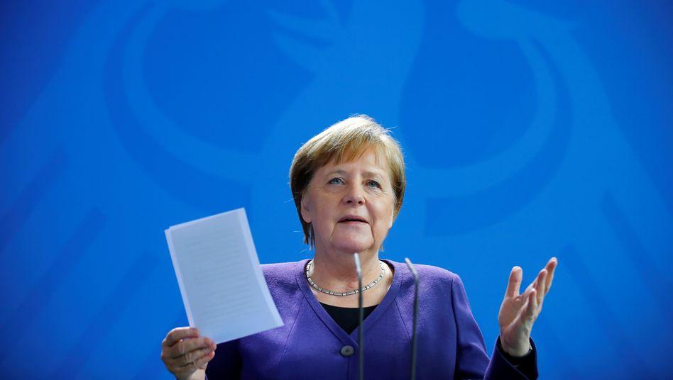 """Angela Merkel wünscht sich, ihre Ämter """"in Würde zu tragen und sie eines Tages auch in Würde zu verlassen"""""""