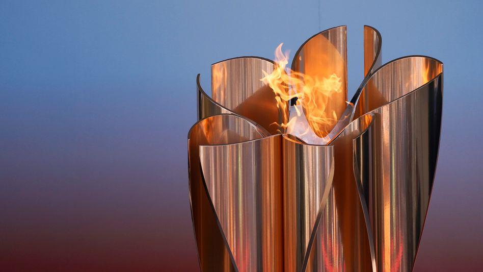 Die Olympische Flamme ist in Japan eingetroffen