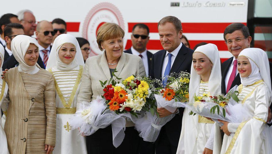 Merkel mit EU-Ratspräsident Tusk im Lager Nizip eins