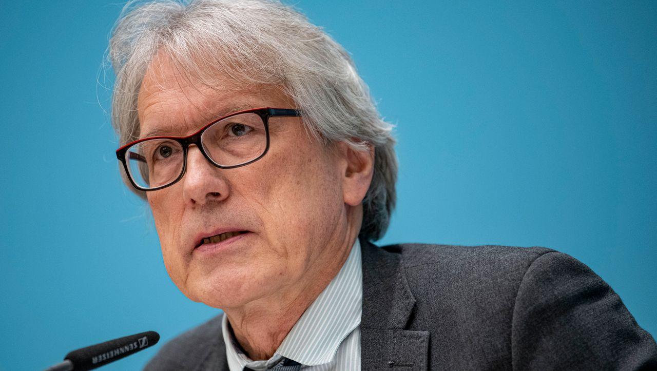 Beamte in Berlin: Privilegien für Ex-Staatssekretäre - DER ...