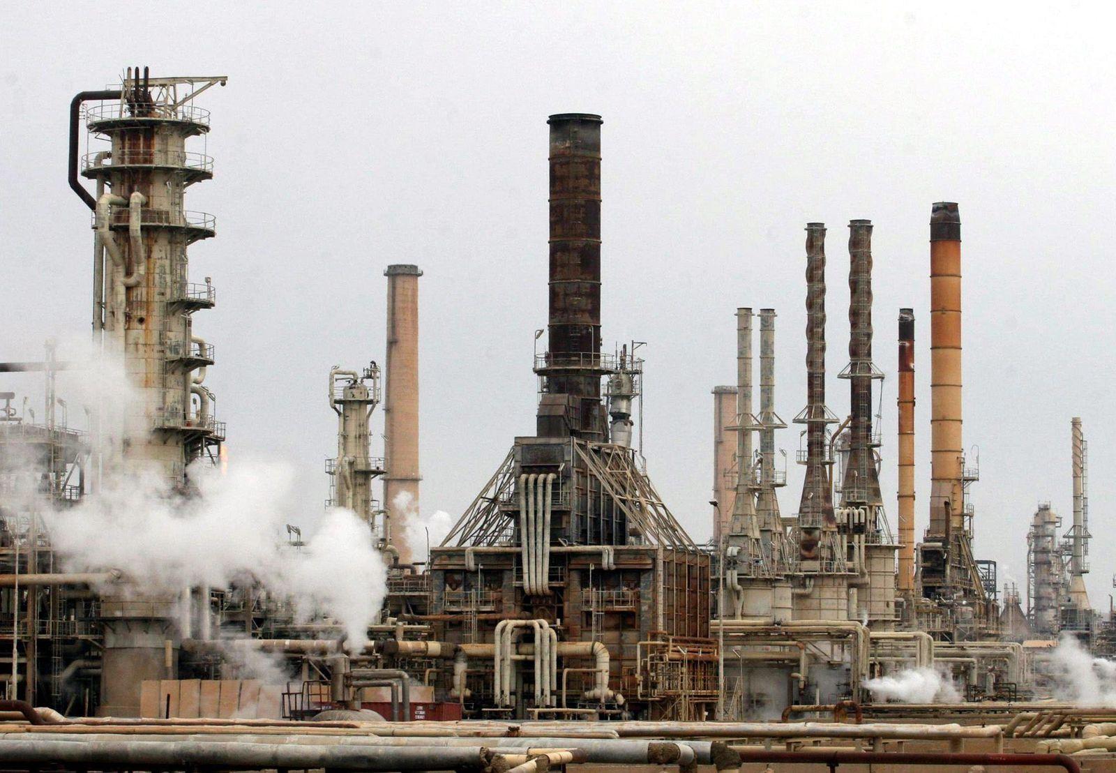 Ölraffinerie in Baidschi