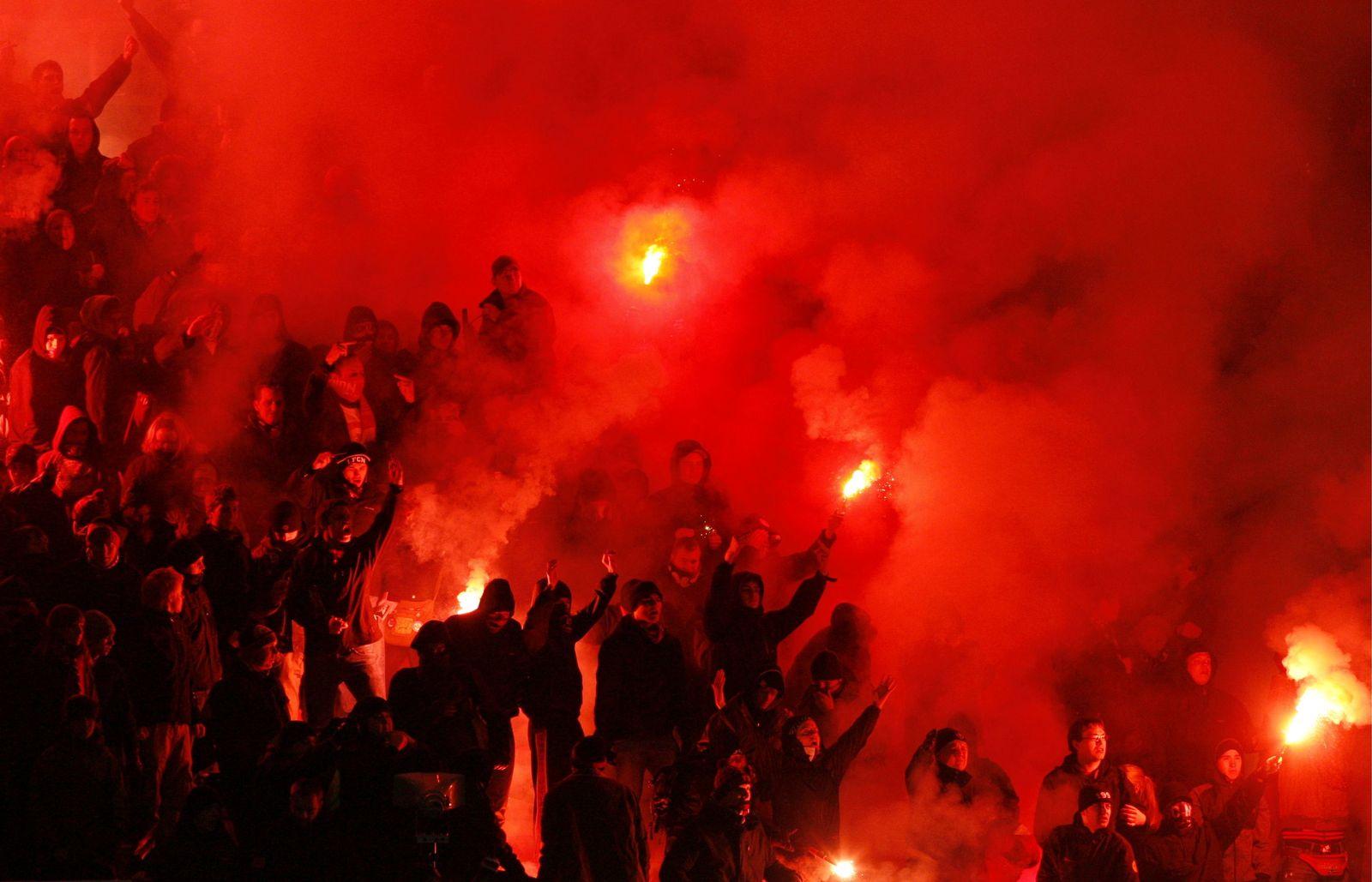 NICHT VERWENDEN 1. FC Nürnberg Fans