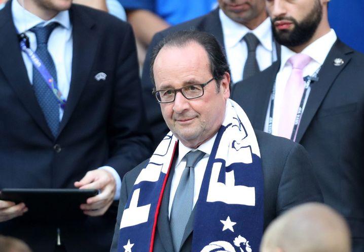 François Hollande vor dem Spiel gegen Deutschland