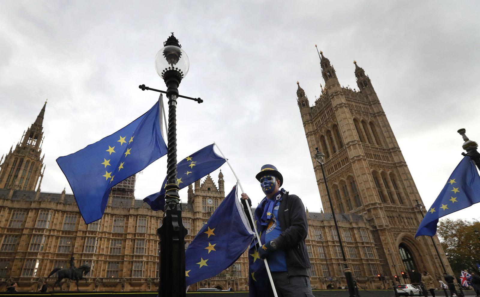 Britischer Finanzminister legt Zahlen zum Haushalt