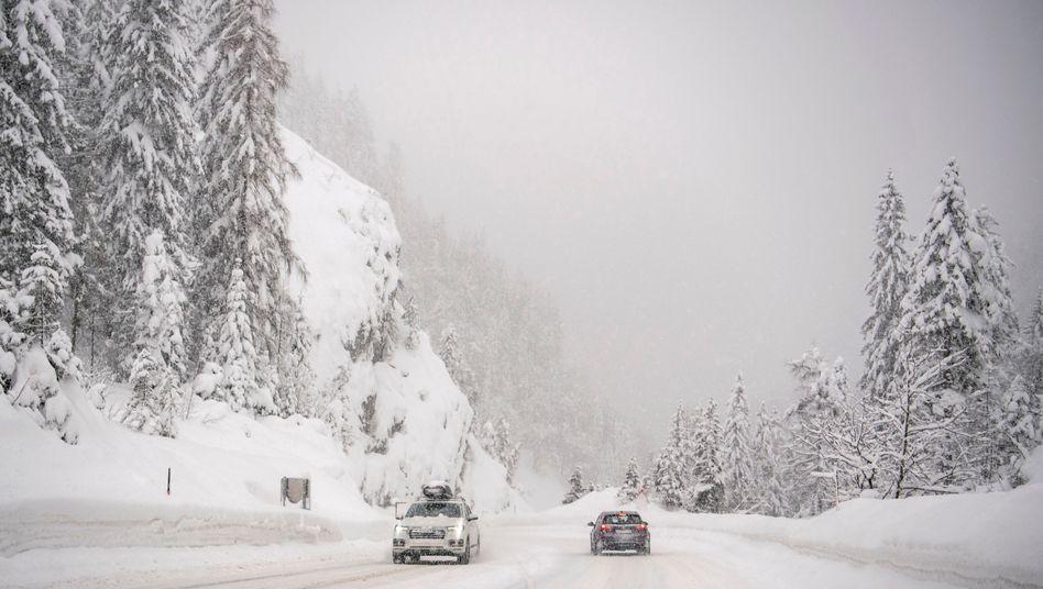Verschneite Straßen bei Obertauern