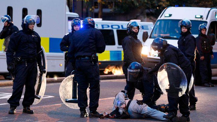 England in Flammen: Gewaltwelle breitet sich aus