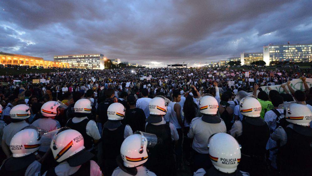 Brasilien: Ausschreitungen bei Protesten