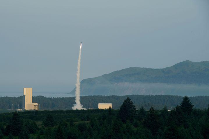 Raketenstart auf Kodiak: Die Insel ist Heimat von Bären, Mönchen und Militärs