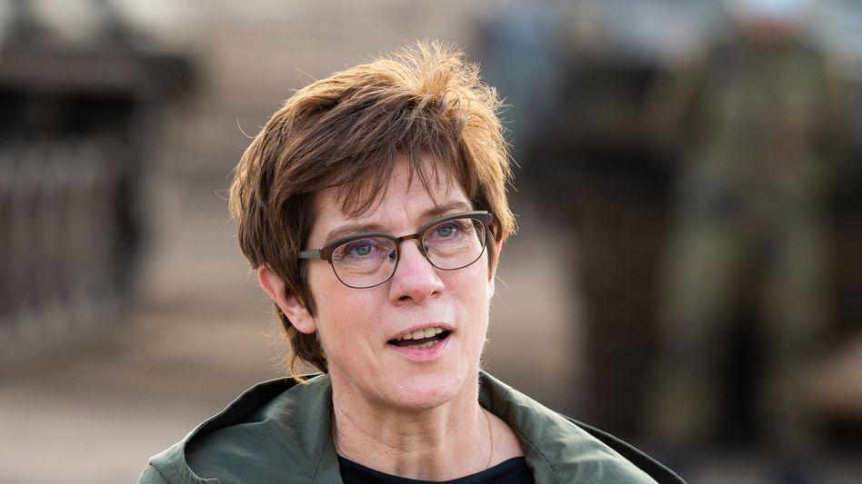 Verteidigungsministerin Annegret Kramp-Karrenbauer (CDU) (Archiv)
