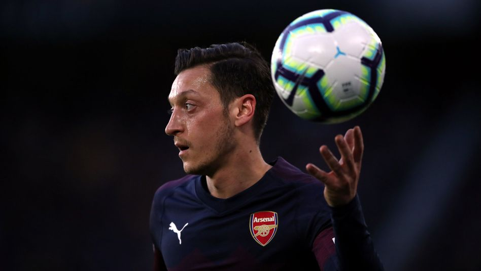 Wer in China PES spielen möchte, muss auf Mesut Özil verzichten