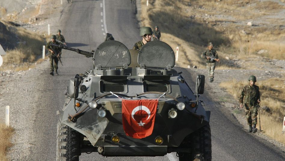 Turkish soldiers on patrol in a Kurdish area of southeastern Turkey: Did the Turkish military use chemical weapons against the PKK?