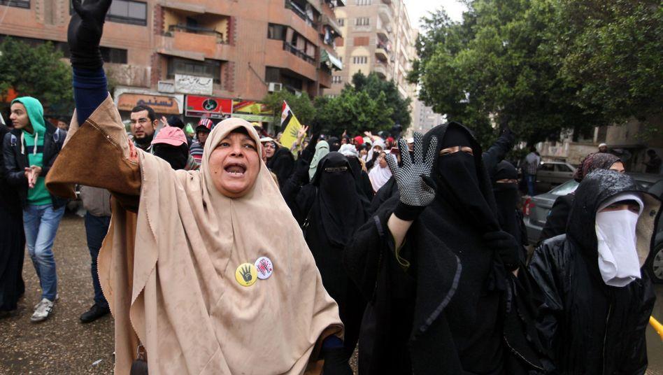 Demonstranten in Kairo: Proteste trotz Regen und Kälte