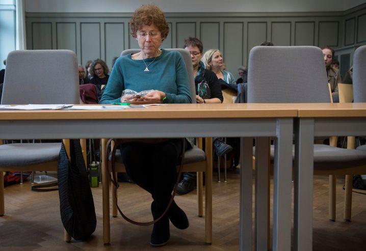 Kristina Hänel vor dem Amtsgericht Gießen (November 2017)