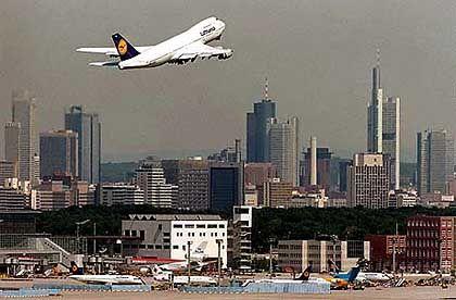 Luftraum Frankfurt: Orientierungslos durch das Unwetter