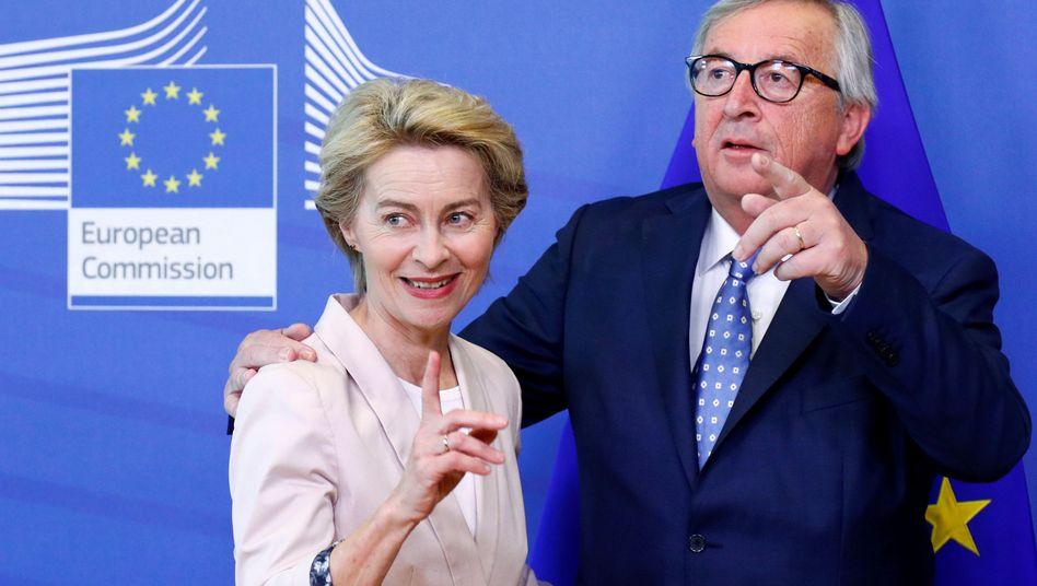 """Kommissionspräsident Juncker, Nachfolgekandidatin von der Leyen (in Brüssel): """"Eine Garantie gibt es nicht"""""""