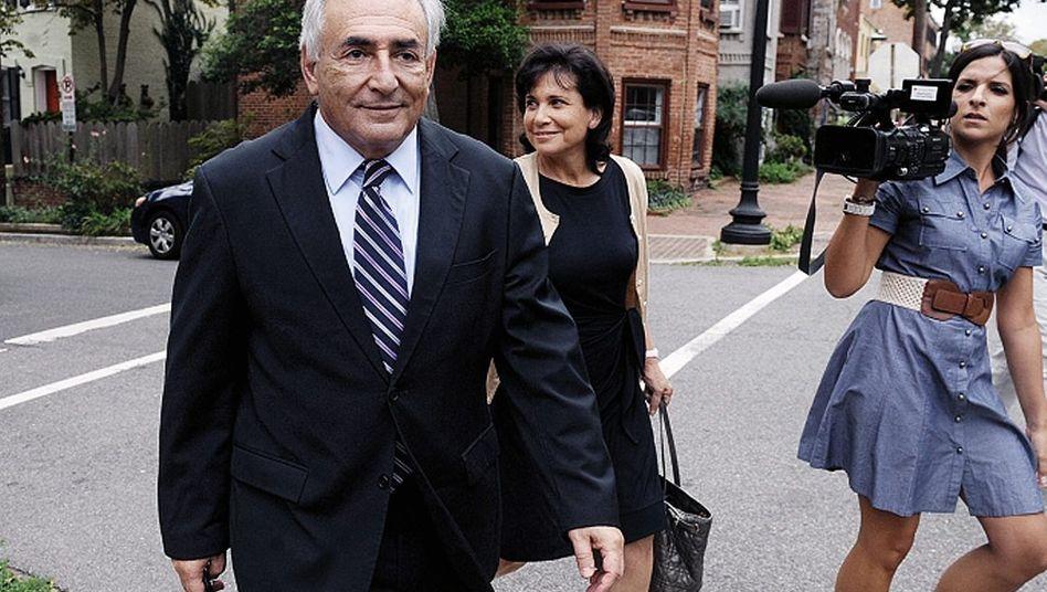 Sozialist Strauss-Kahn, Ehefrau in Washington: Lächerlicher Absturz