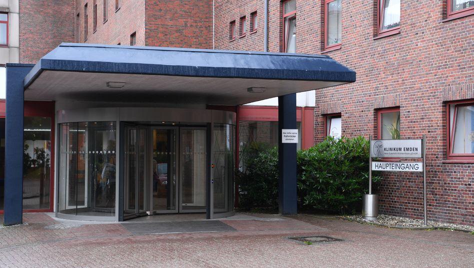 Das Klinikum Emden muss 800.000 Euro Schmerzensgeld an den ehemaligen Patienten zahlen