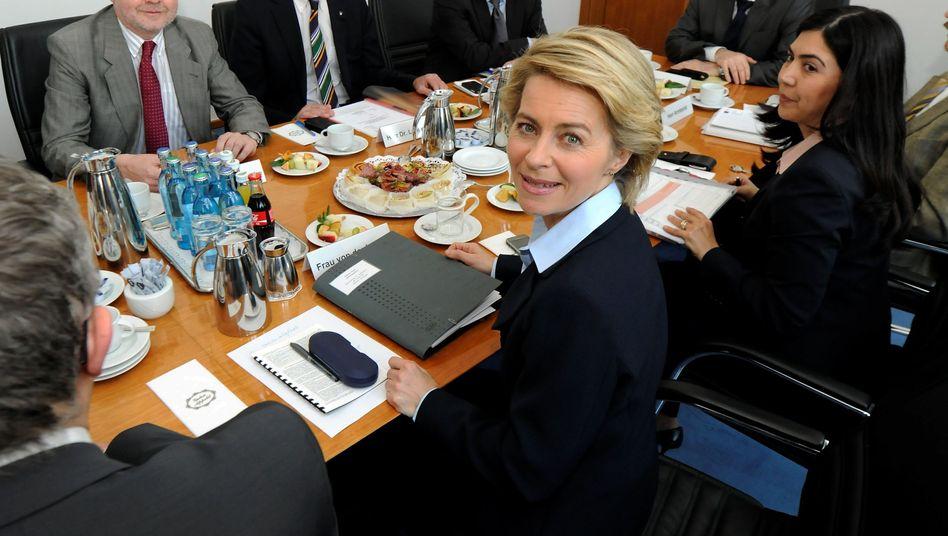 Arbeitsministerin von der Leyen: Will Eltern besser informieren