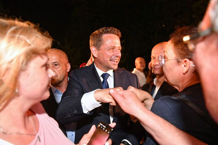 Rafal Trzaskowski, Gegenkandidat zu Duda am 12. Juli, am Wahlabend
