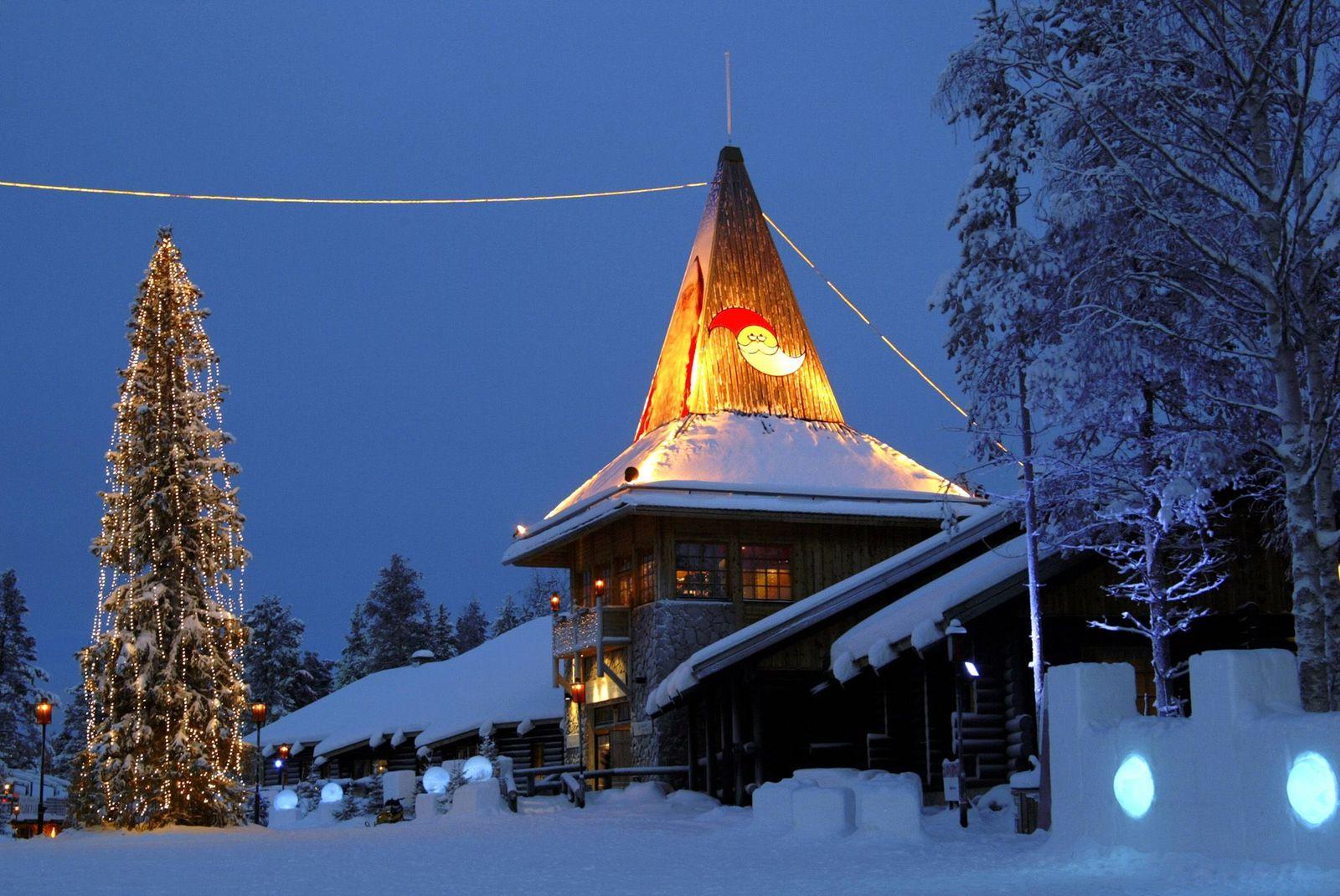 EINMALIGE VERWENDUNG Haus / Weihnachtsmann / Finnland