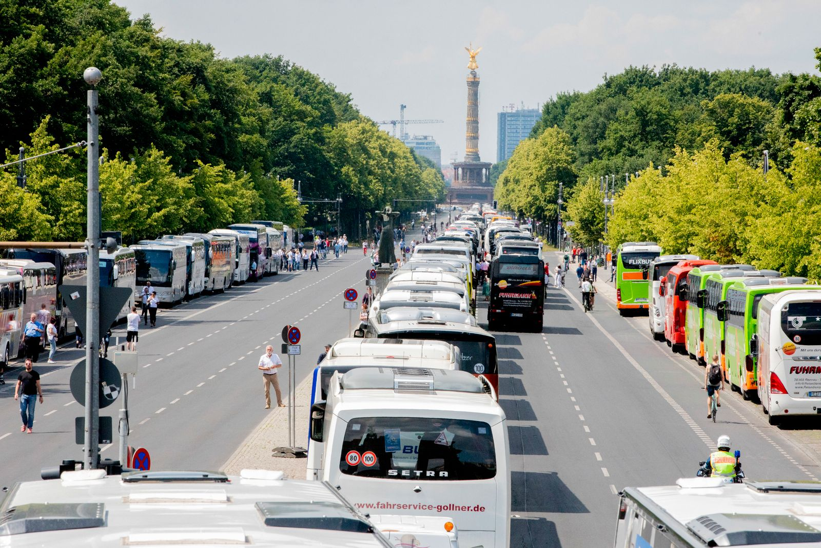 Demonstration von Bus- und Touristikunternehmen