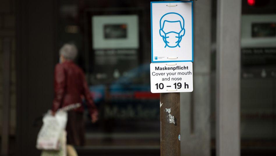 Düsseldorfer Einkaufsstraße: Nachdem das Parlament in den ersten Monaten der Coronakrise kaum vorkam, werden die Abgeordneten seit einigen Wochen wieder lauter