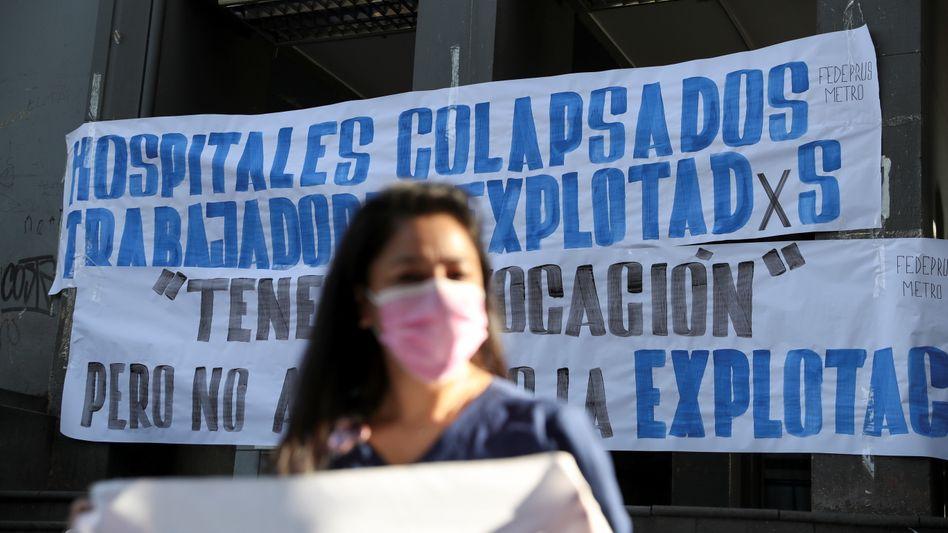 Protest gegen schlechte Arbeitsbedingungen in Krankenhäusern in der chilenischen Hauptstadt Santiago (am 8. April)
