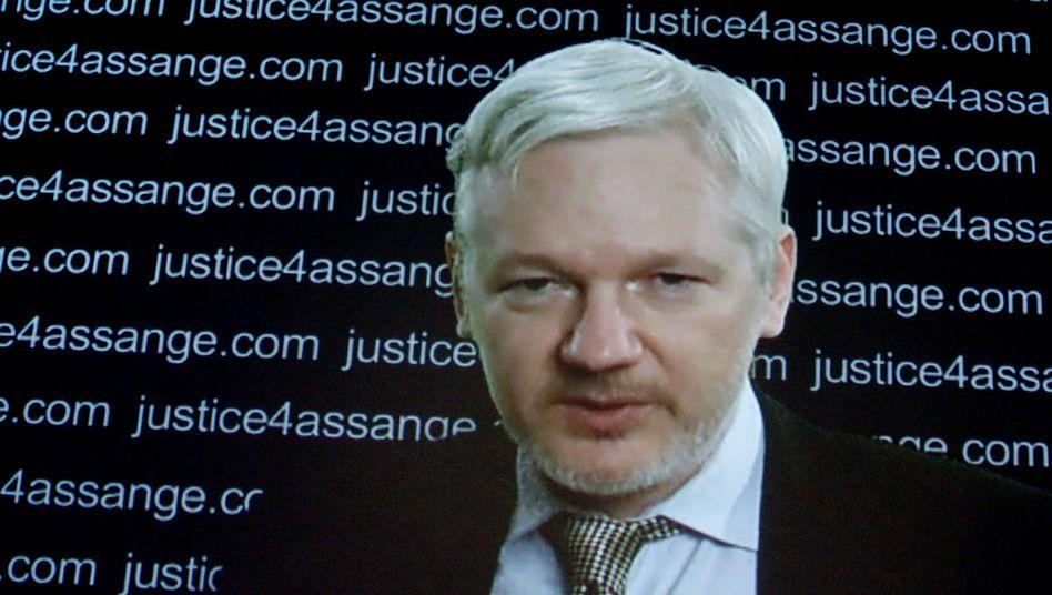 Julian Assange im Livestream: Er äußerte sich Freitag auf einer Pressekonferenz