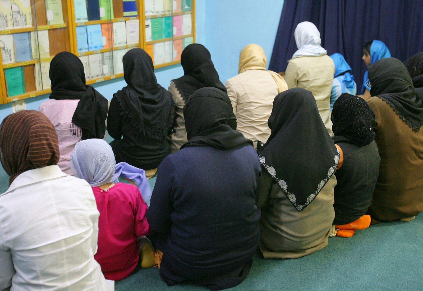 Musliminnen / Nuur-Moschee